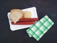foodiesfeed-com_sausages-czech-classic